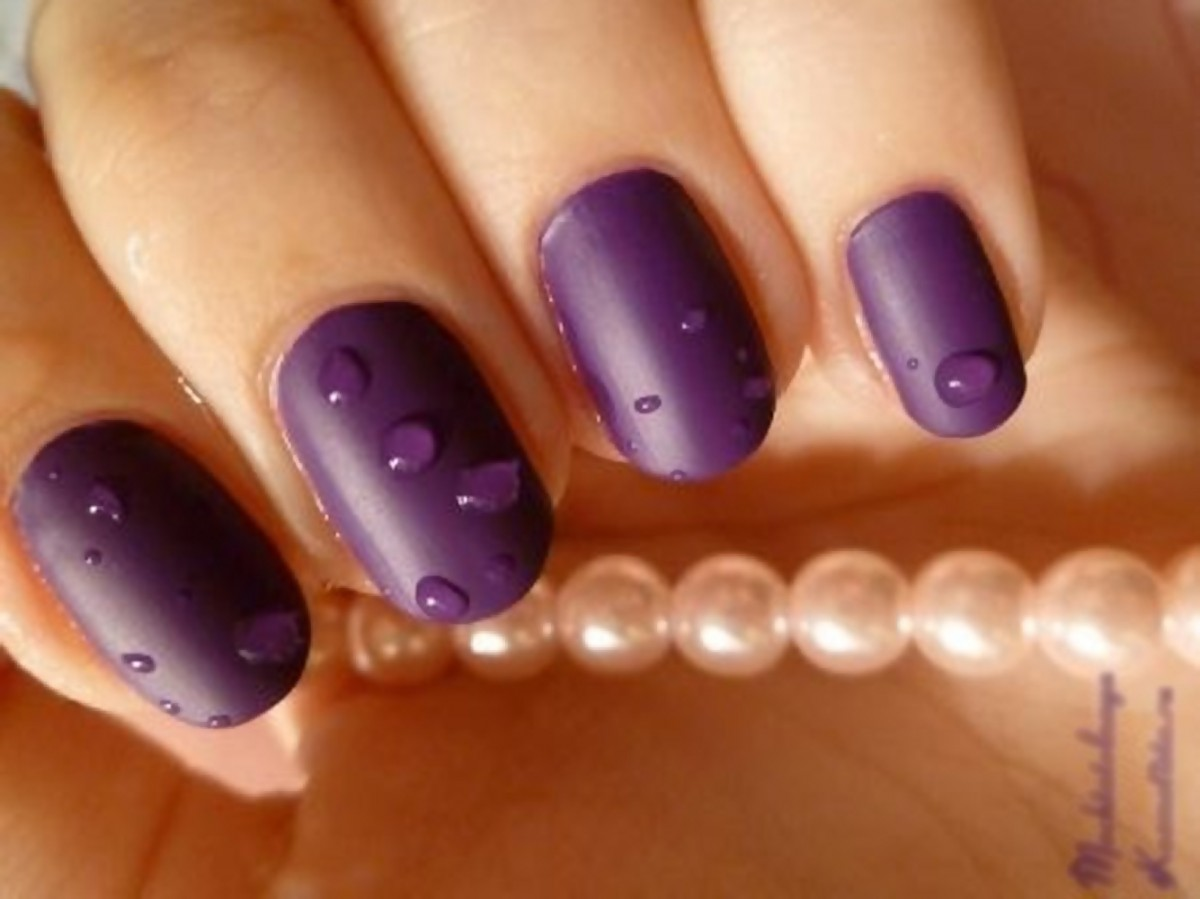 Makeup on short nails. The sky will be covered with specks of stars ...