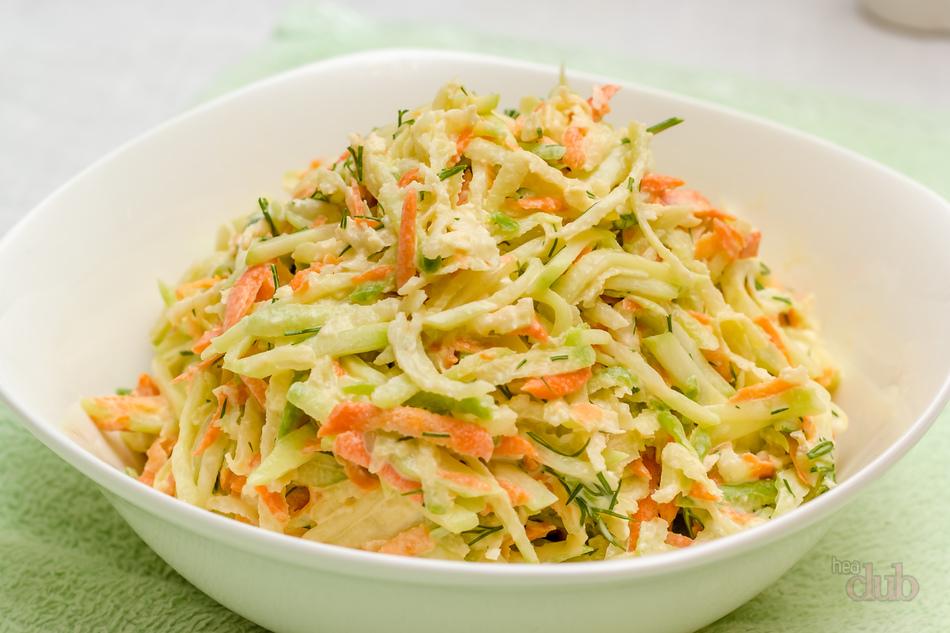 салат с капустой и морковью и огурцом